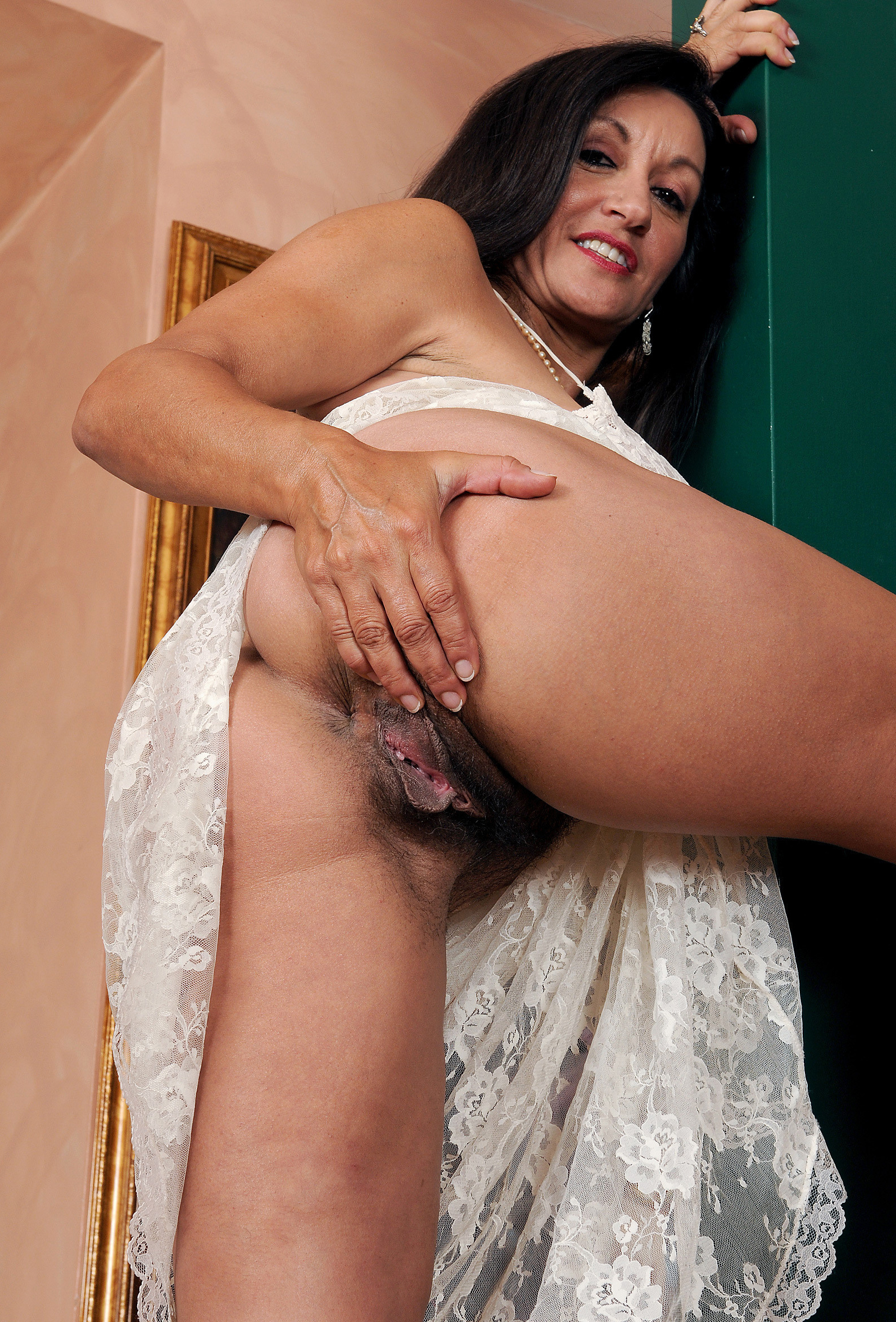 Pussy nude galleries mature hairy
