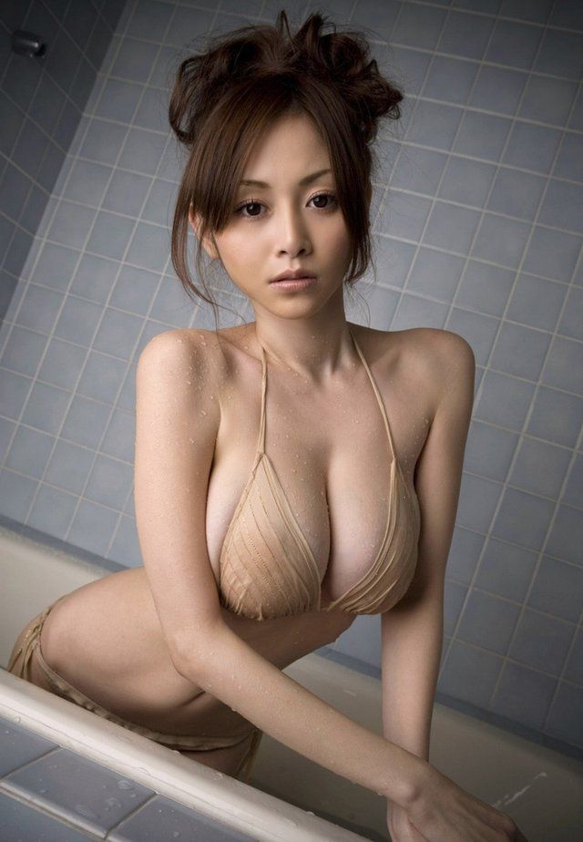Boobs asiatische big hot madchen sexy