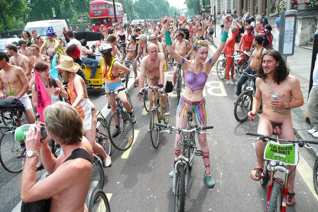 Naked ride world nackt bike