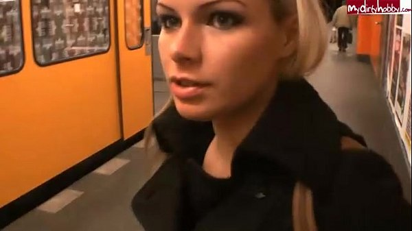 Amateur sex u bahn teen