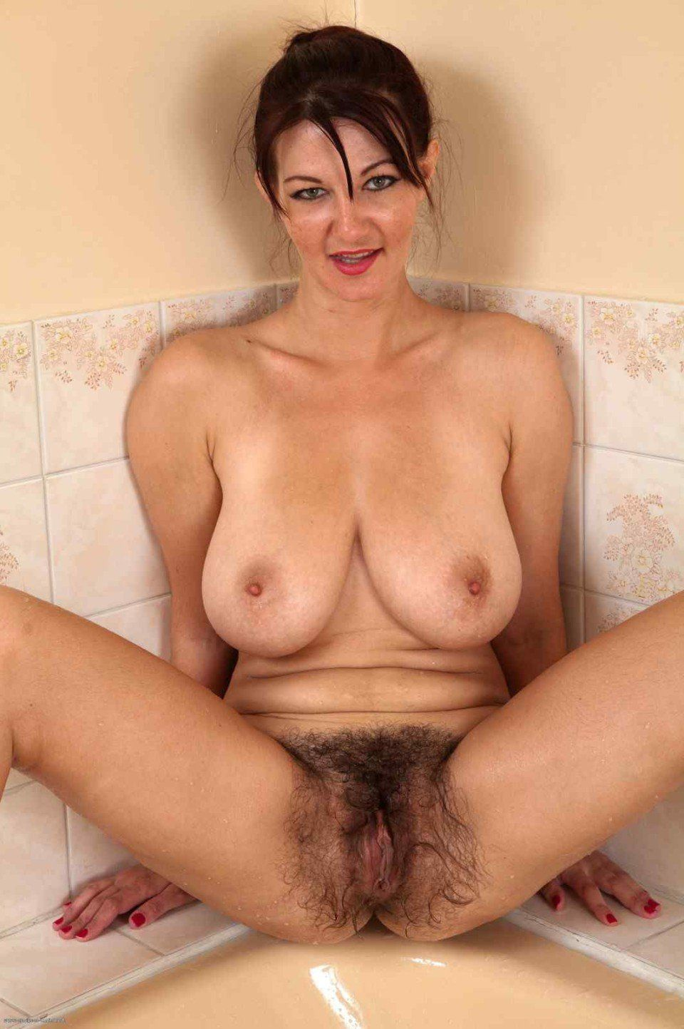 hairy gallerys Mature pussy free
