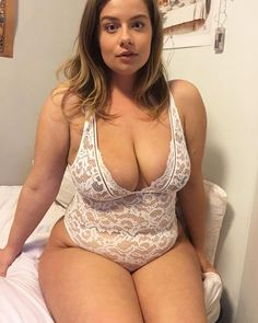 Models tiny non nude girl
