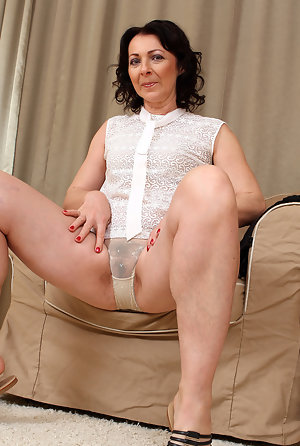Nackt next hairy mom door