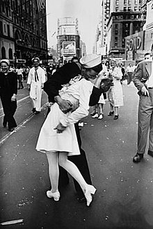 Times square kiss alfred eisenstaedt