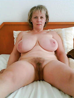 mature hairy Pussy nude galleries