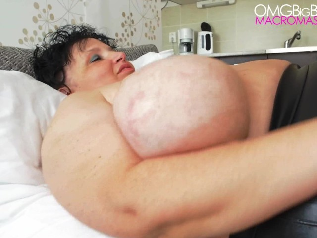 Big boobs amateur mature natural
