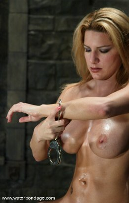 Jenni bilder model bondage lee